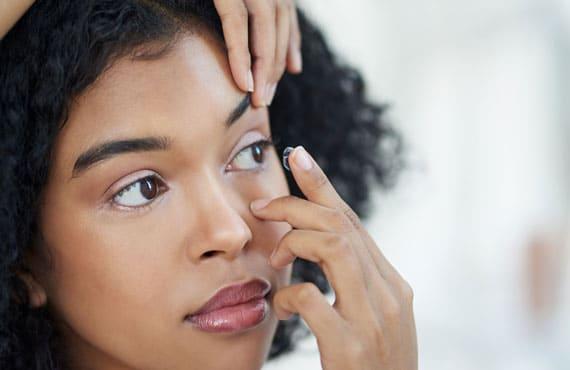 Kontaktlinsen verursachen trockene Augen. TRB-Chemedica
