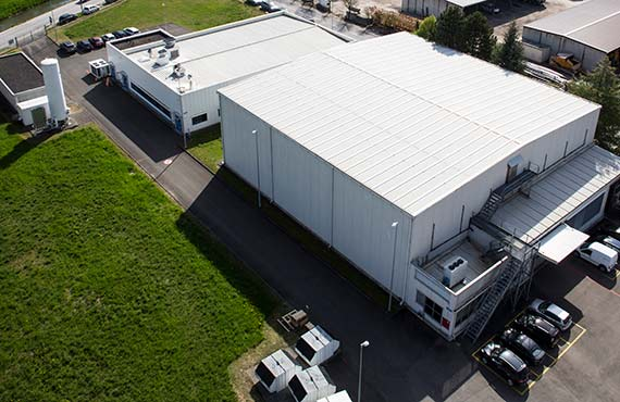 TRB-Chemedica Fabrik in Vouvry (Wallis), Schweiz: Sliderbild 1 Gebäude