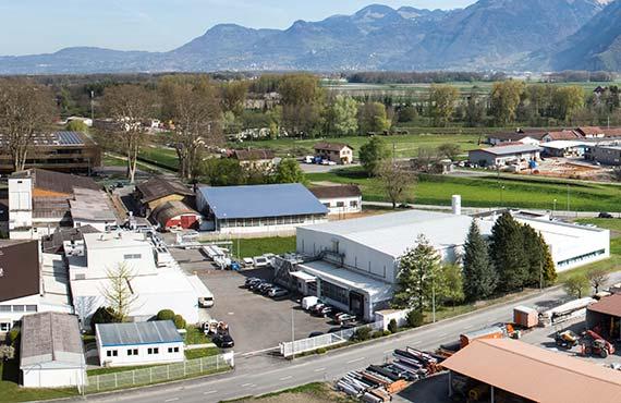 TRB-Chemedica Fabrik in Vouvry (Wallis), Schweiz: Sliderbild 5 Luftbild